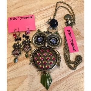 NWT RETIRED Betsey Johnson OWL Necklace & Earrings